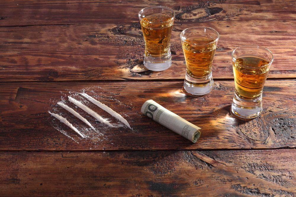 ¿Por qué combinar alcohol y cocaína puede ser mortal?