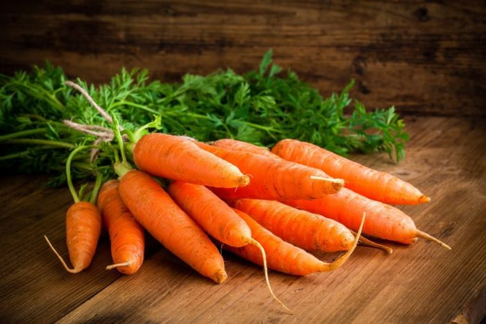 9 beneficios de la zanahoria para mejorar la salud y perder peso