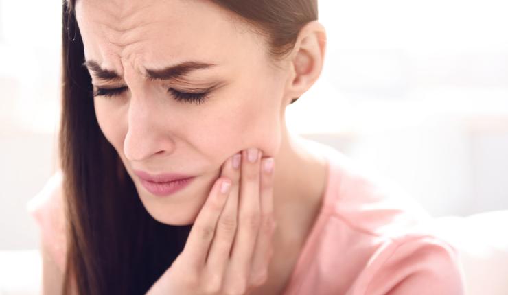 9 remedios caseros para aliviar el dolor de muelas