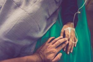 Le donó un riñón a su exesposo para que sus hijas no se quedaran sin padre