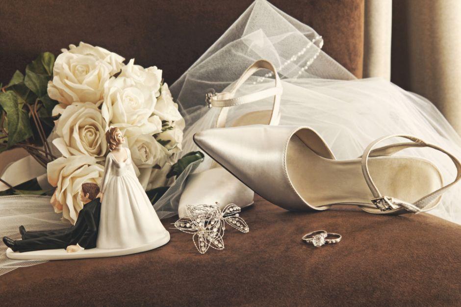Los 6 mejores estilos de tacones bajitos para evitar que te duelan los pies en tu boda