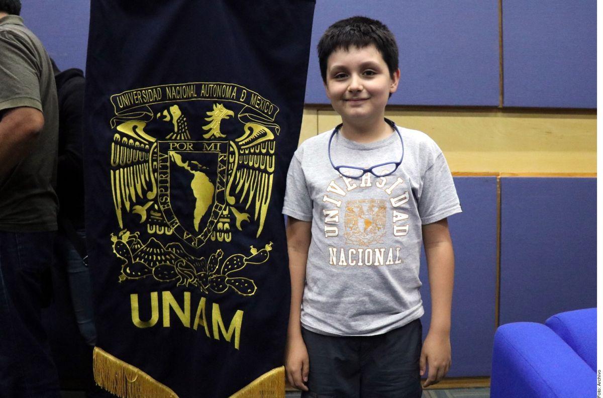 Niño genio denuncia acoso escolar en la UNAM