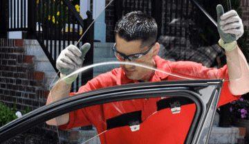 Paso a paso, cómo reemplazar un vidrio roto de tu auto tu mismo y sin gastar dinero