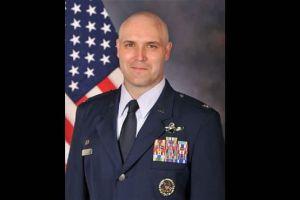 China detuvo a ex coronel piloto de FedEx EEUU y lo acusa de tráfico de armas