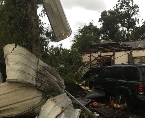 ÚLTIMA HORA: Reportan daños en Baytown por tornado que tocó tierra