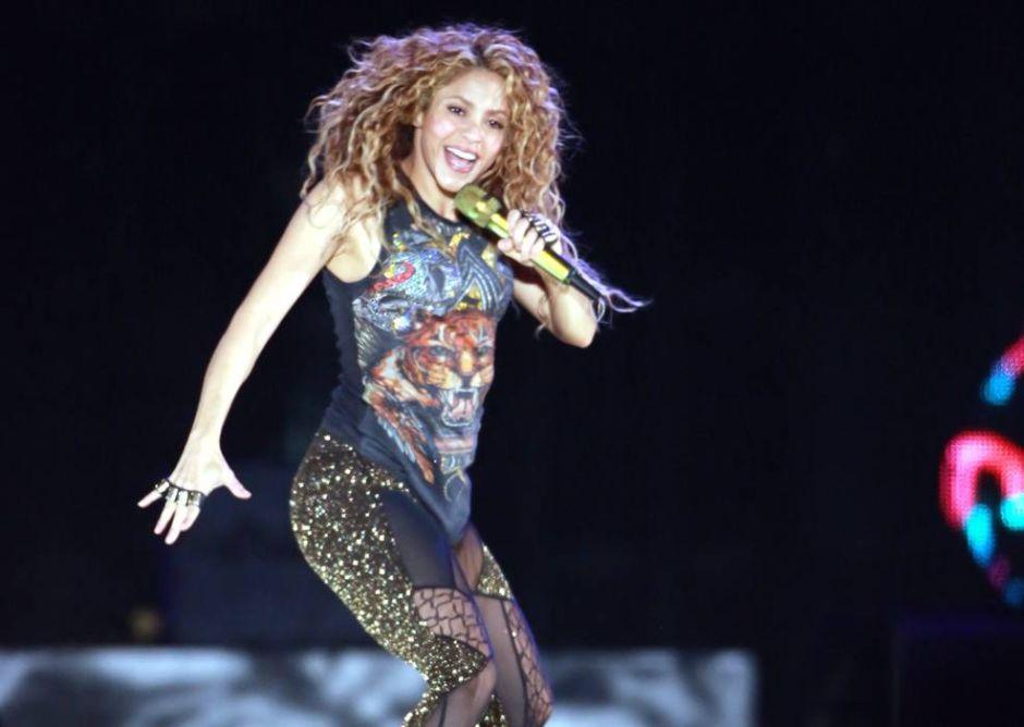 """Llaman a Shakira """"La esposa de Piqué"""" y esto provoca la furia de sus fans"""