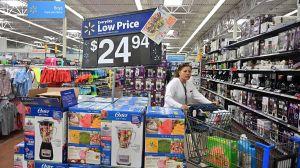 Walmart hace trabajar a sus empleados en Día de Acción de Gracias y Black friday, pero sin pagarles tiempo extra
