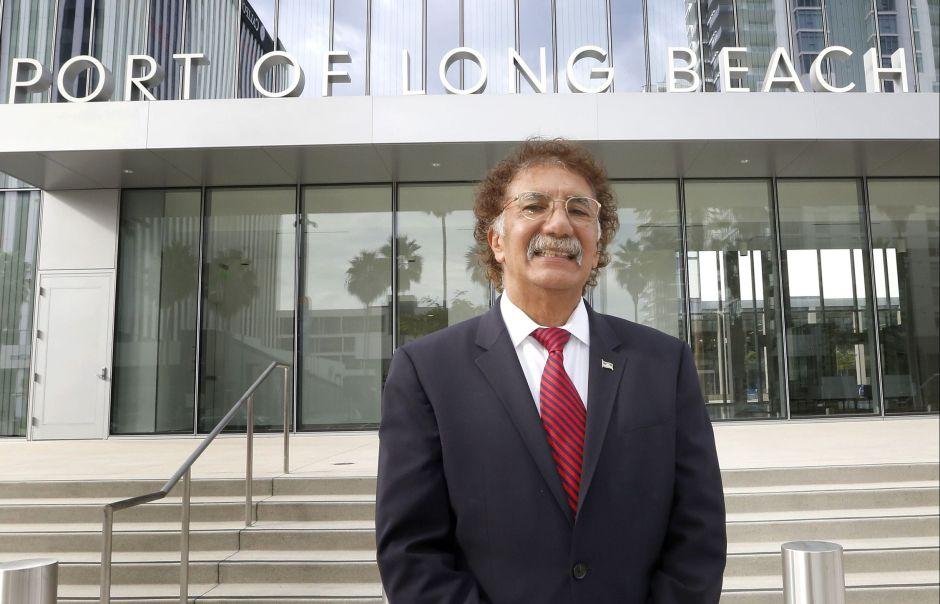 Mario Cordero, el primer latino en ser director del Puerto de Long Beach