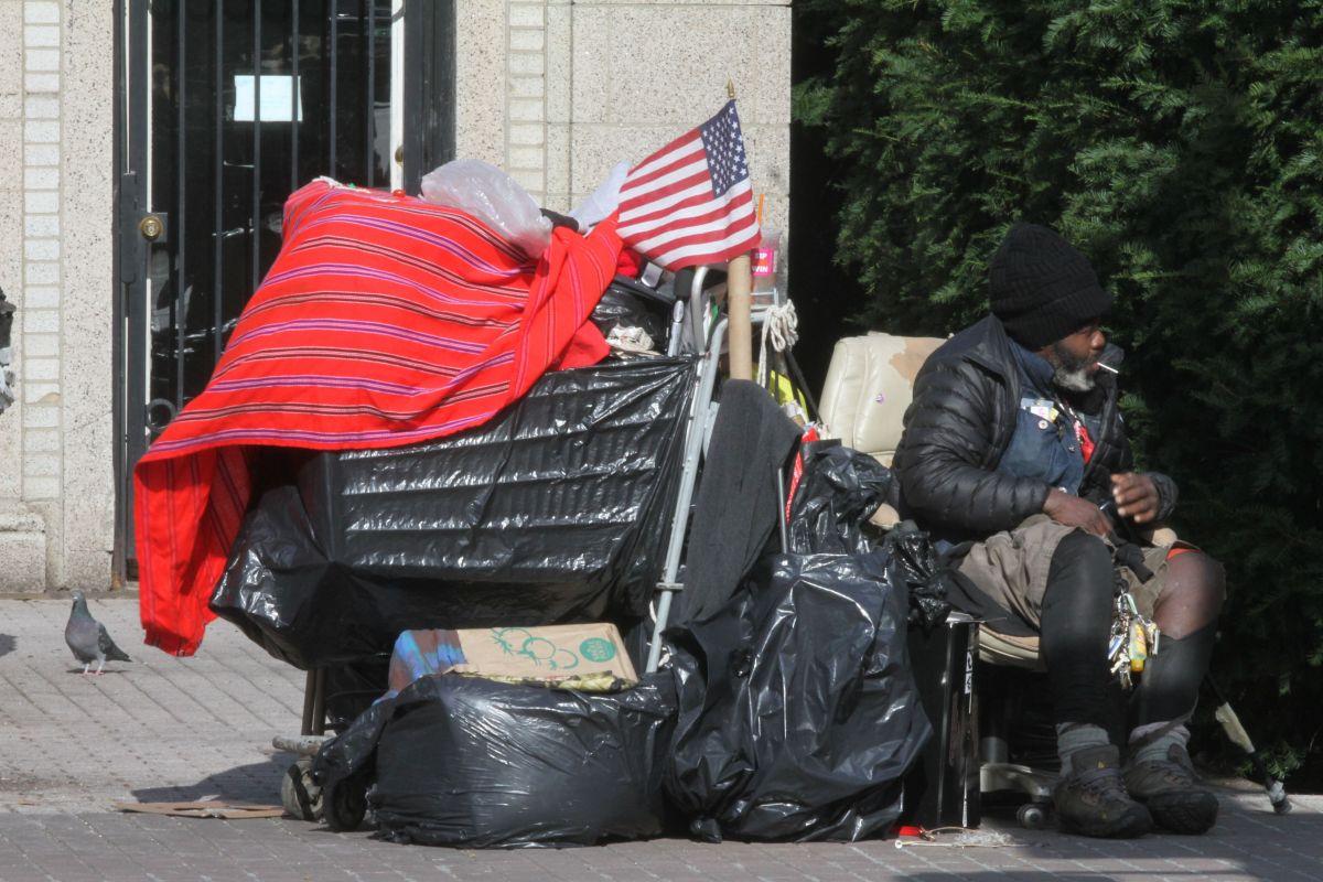 La ciudad tiene capacidad para ofrecer refugio al 39% de las personas sin hogar.