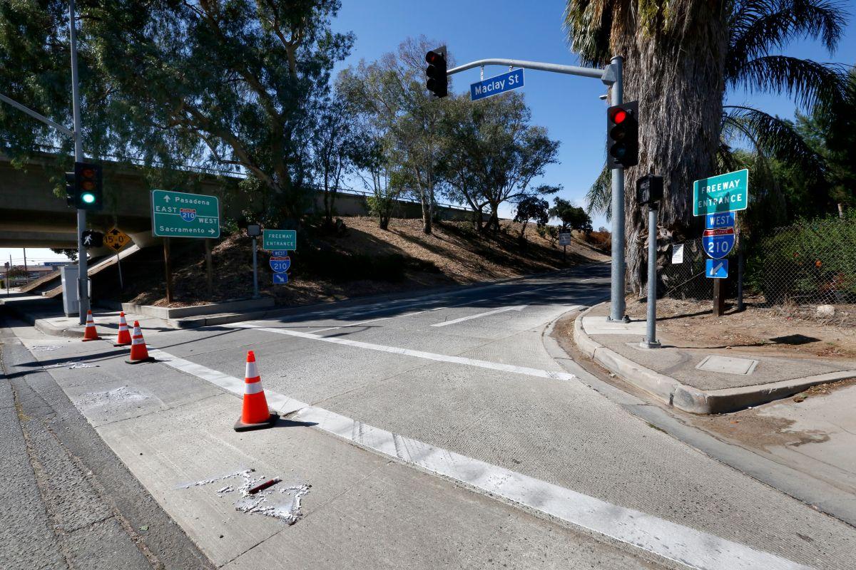 Primero fue un misterioso pie y ahora aparecen más restos humanos en pleno freeway del sur de California