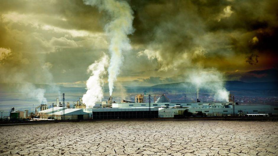 La dura batalla que tuvieron que librar los científicos para demostrar que la lluvia ácida existía (y cómo ahora sucede lo mismo con el cambio climático)