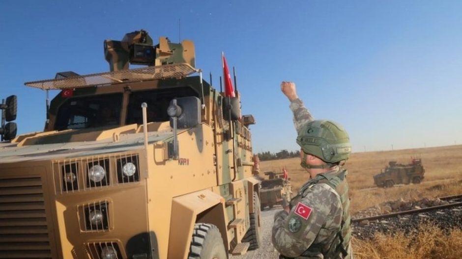 Turquía inicia su controvertida ofensiva militar en la zona kurda del norte de Siria