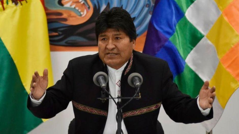 """Nicolás Maduro asegura que vida de Evo Morales """"corre peligro"""""""