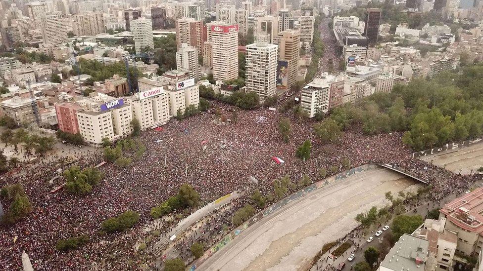 Protestas en Chile: la histórica marcha de más de un millón de personas que tomó las calles