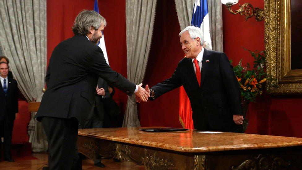 Piñera realiza profundo cambio en su gabinete para bajar tensión ante las manifestaciones