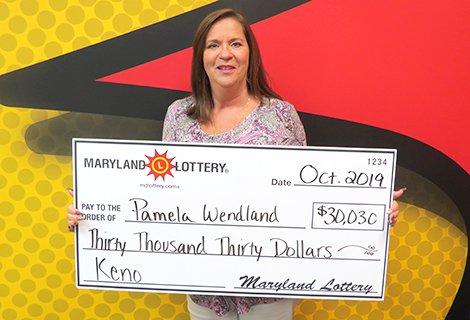 Su pasión por jugar al número 9 le gana $30,030 en la lotería