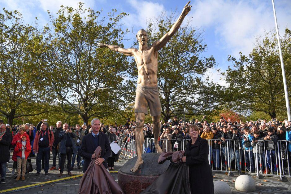 Zlatan inaugura una estatua en su honor