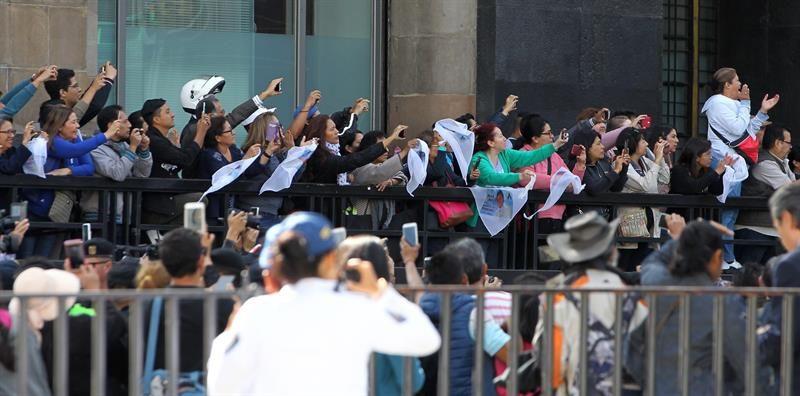 FOTOS Y VIDEOS: Despiden a José José en Palacio de Bellas Artes de México
