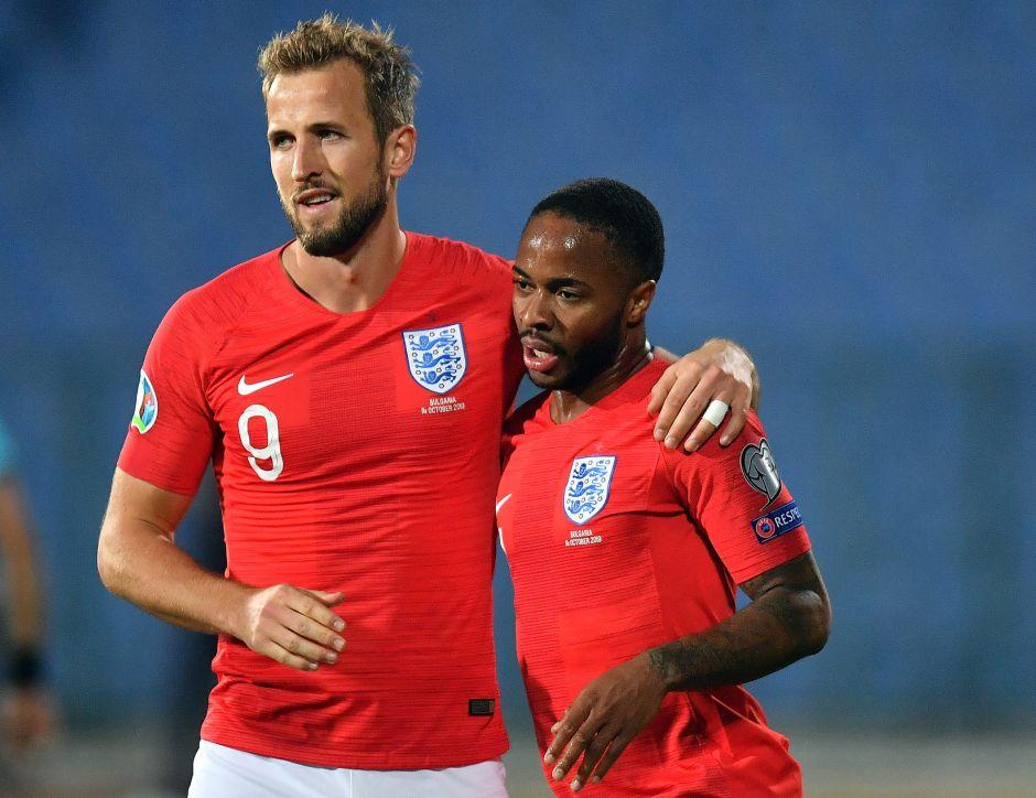 Inglaterra destroza a Bulgaria, aunque pararon el partido por cánticos racistas