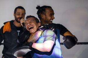 La élite del deporte mexicano entrenó a Lewis Hamilton: JC Chávez, Rafa Márquez, Daniel Corral y más