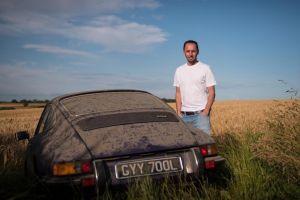 Se enamoró de un Porsche 911 abandonado; tres décadas después lo volvió suyo