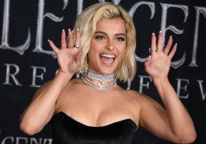 Bebe Rexha incentiva el voto en Estados Unidos y para esto desnuda uno de sus senos en Instagram