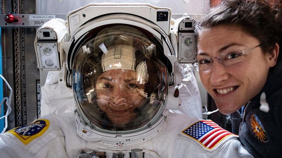 La primera caminata espacial de mujeres ya está a punto de suceder