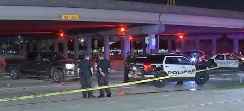 Houston: Un niño de 12 fue baleado en plena carretera desde otro vehículo