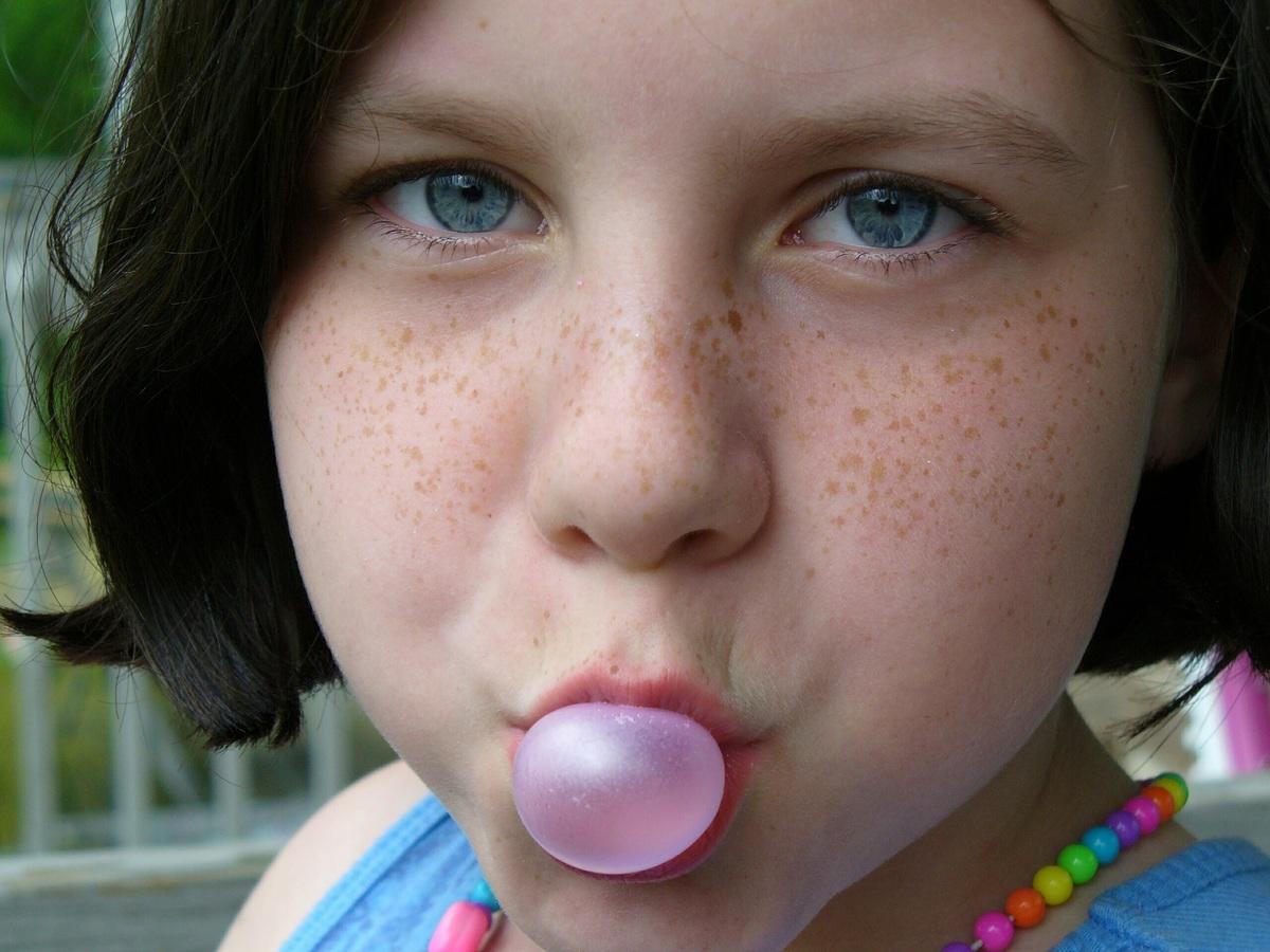 Chicle ayuda en la concentración y previene la caries
