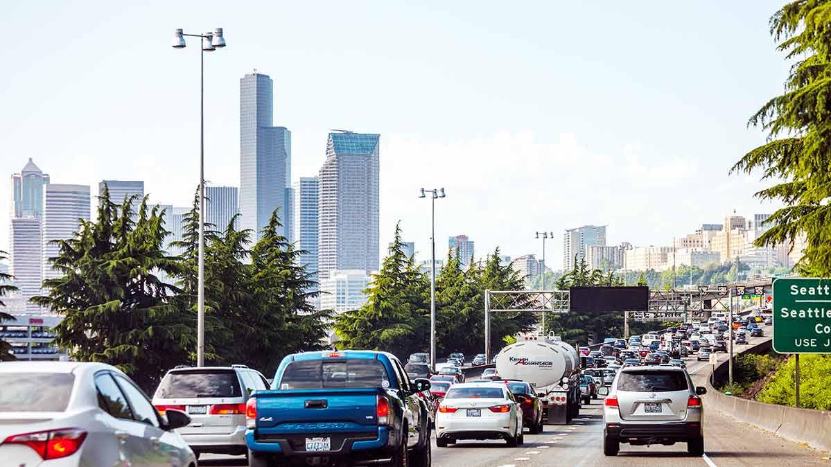 Al comprar un seguro de auto, las grandes compañías no son las mejores