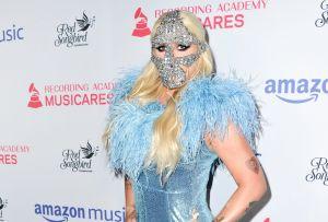 Kesha se apunta al mundo del maquillaje