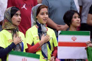 Aficionadas de Irán agotan entradas para poder ver a su selección
