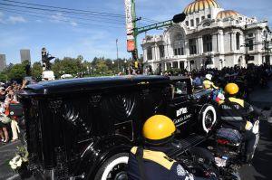 El Cadillac de 1928 que transportó los restos de José José es una réplica