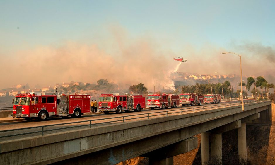 El incendio Saddleridge paraliza a los angelinos