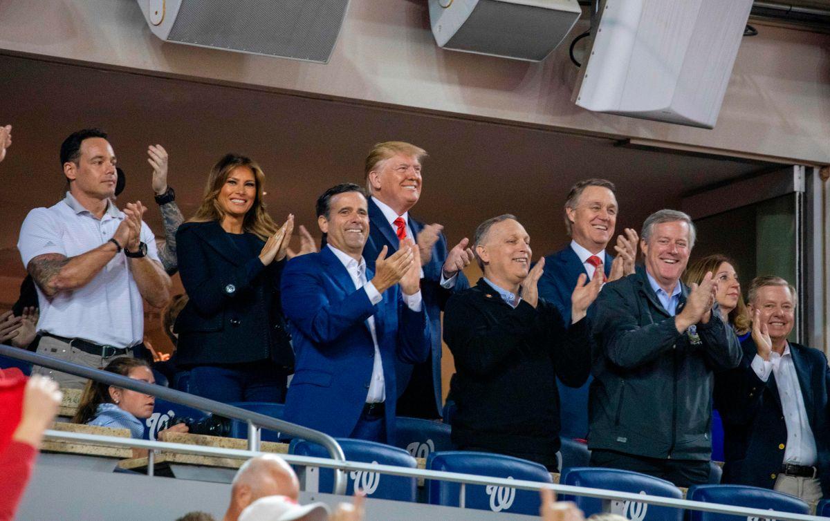 ¡Abucheado! Trump no fue bien recibido en la Serie Mundial y piden que lo encierren