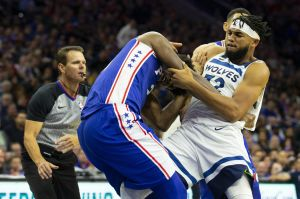 ¡Se dan con todo en la NBA! Joel Embiid y Karl-Anthony Towns protagonizan pelea