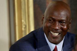 ¿En qué gasta su fortuna Michael Jordan, el deportista multimillonario más rico de la historia?