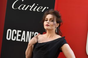 Helena Bonham Carter presenta oficialmente a su nuevo novio, un escritor ¡21 años menor!