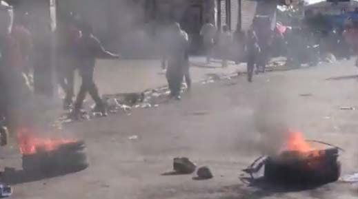 Manifestantes en Haití cercan a presidente Jovenel Moïse en reclamo de que renuncie