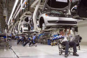 China suspende aranceles a autos americanos