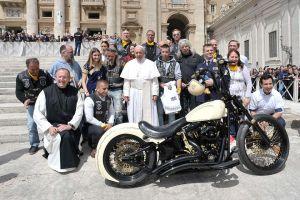 Harley Davison le regaló una motocicleta más al Papa Francisco