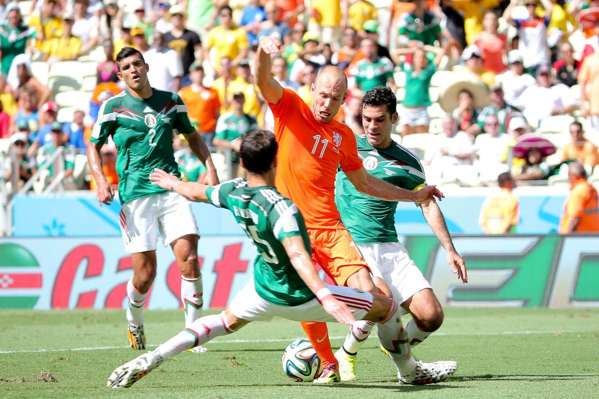 ¡No era penal! Rafa Márquez cree que el VAR no hubiera marcado falta sobre Robben en Brasil 2014