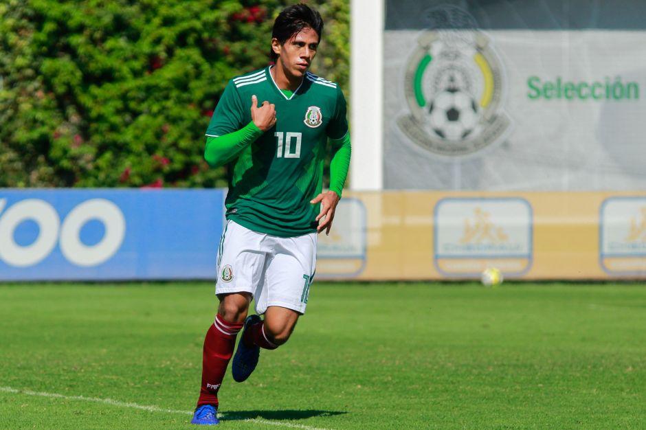 Aconseja como tata: Gerardo Martino pide a JJ Macías que no se precipite para ir a Europa