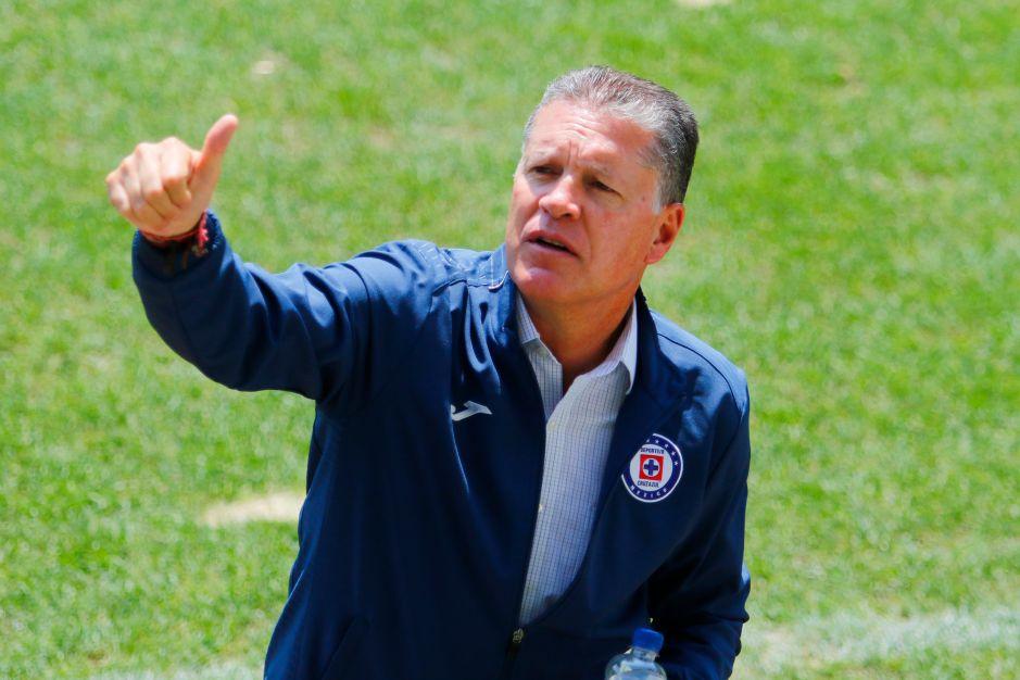 Ricardo Peláez está en Guadalajara negociando con Chivas