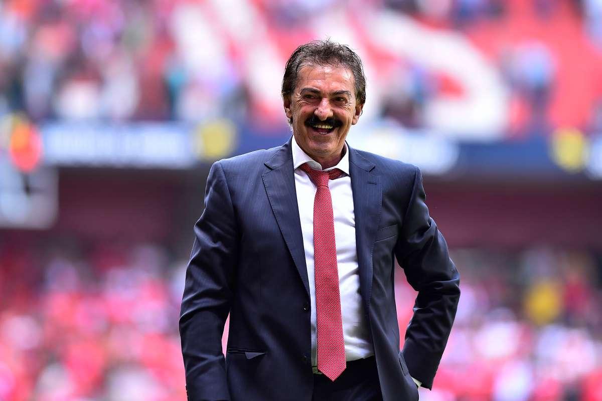 Sigue la rivalidad: Ricardo La Volpe dice que Sinha fue mejor que ...