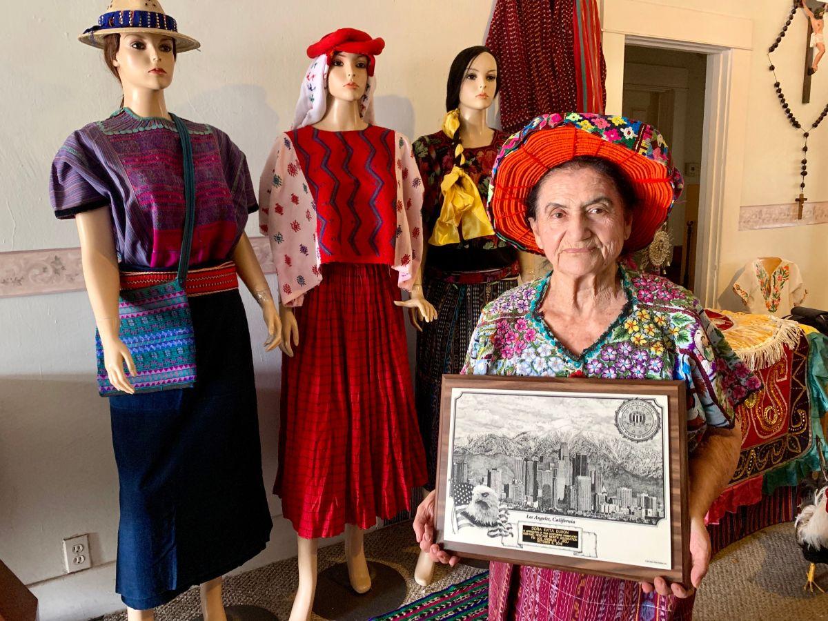Evita Dubon es creadora de un ballet folklórico que honra las tradiciones de Guatemala. (Araceli Martínez/La Opinión)