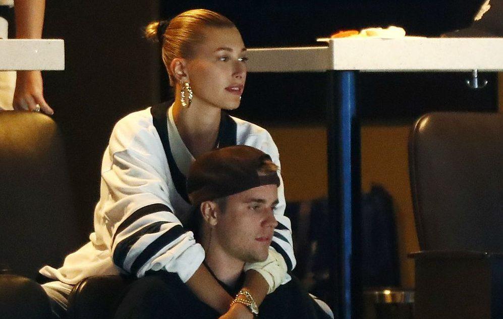 Justin Bieber se abraza a su esposa por salud mental