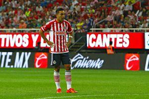 ¿Ya lo pensaron bien? Chivas piensa en Marco Fabián para su próxima reestructura