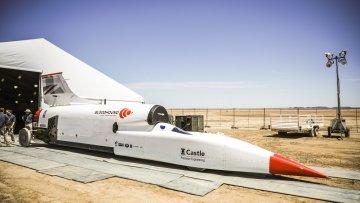 El auto más veloz del mundo se prepara para alcanzar las 1000 millas por hora