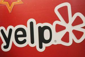 Demandan a cliente por $25,000 porque hizo una reseña negativa de su empresa en Yelp
